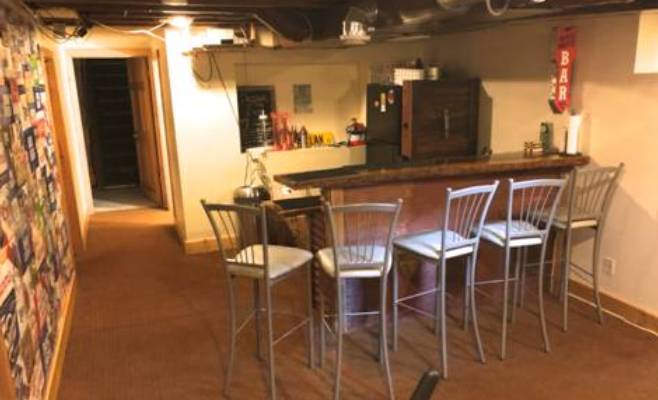 basement level bar in house for rent in menomonie wi